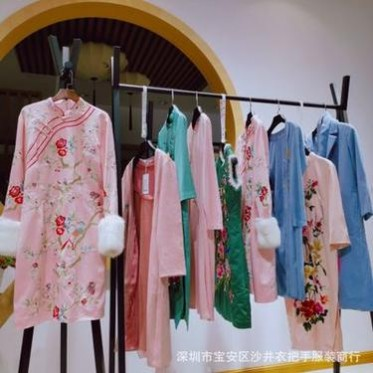 深圳原创设计师品牌奥妃雅女装19秋折扣女装专柜下架正品尾货三标